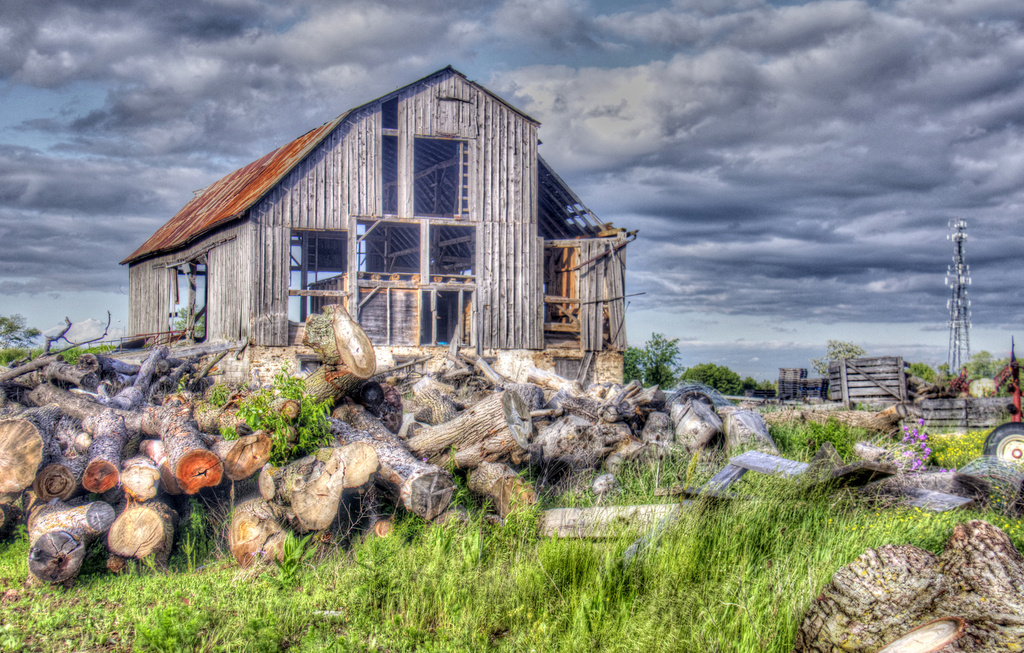 Ontario Barn by pdulis