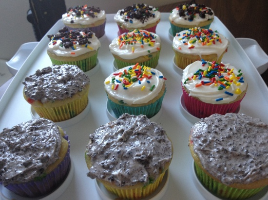 Tamra made me cupcakes  by annymalla
