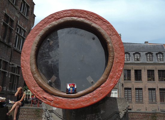 Paddington visits Ghent by bizziebeeme