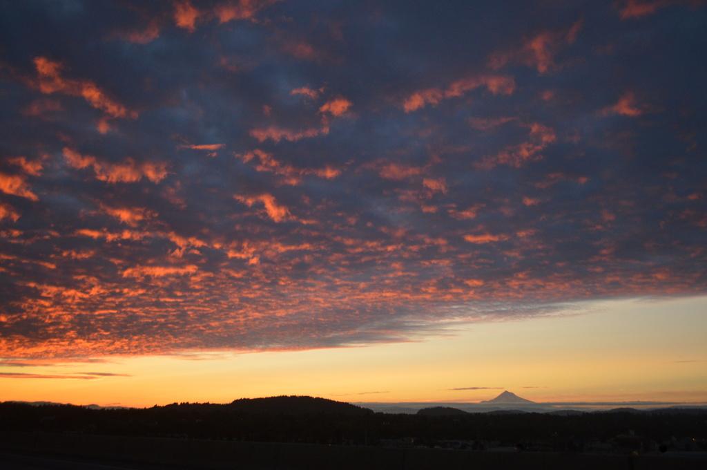 Mt. Hood at Sunrise by kareenking