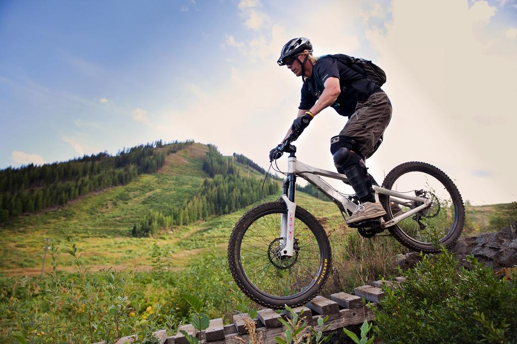 Mountain biking at Red by kiwichick