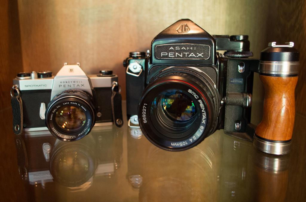 1976 Pentax 6x7 (MU) Medium Format SLR by grizzlysghost