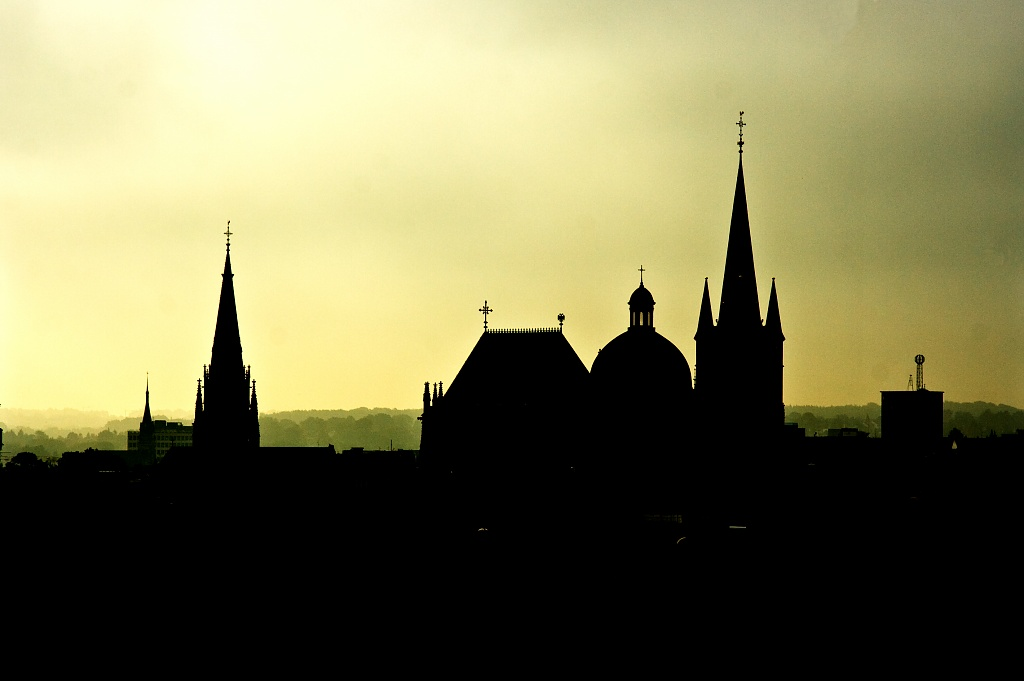 Aachen Skyline by harvey