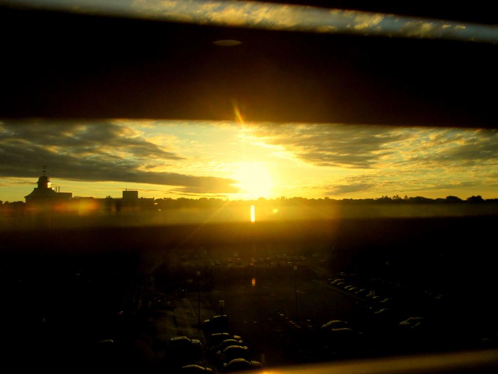 Sunrise by bruni