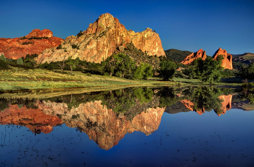 Reflections in the Garden of the Gods by exposure4u
