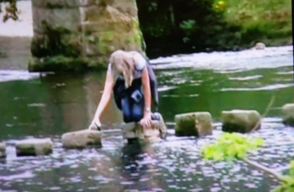 Falling ----Oops  it's a bit wet !! by beryl