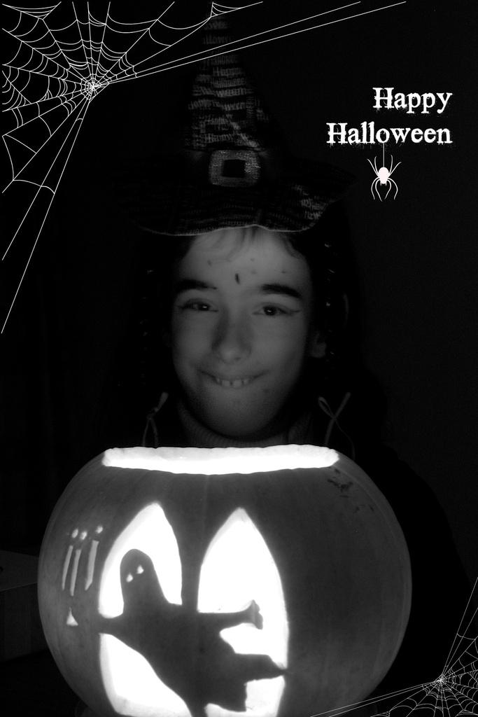 Halloween by nicolaeastwood