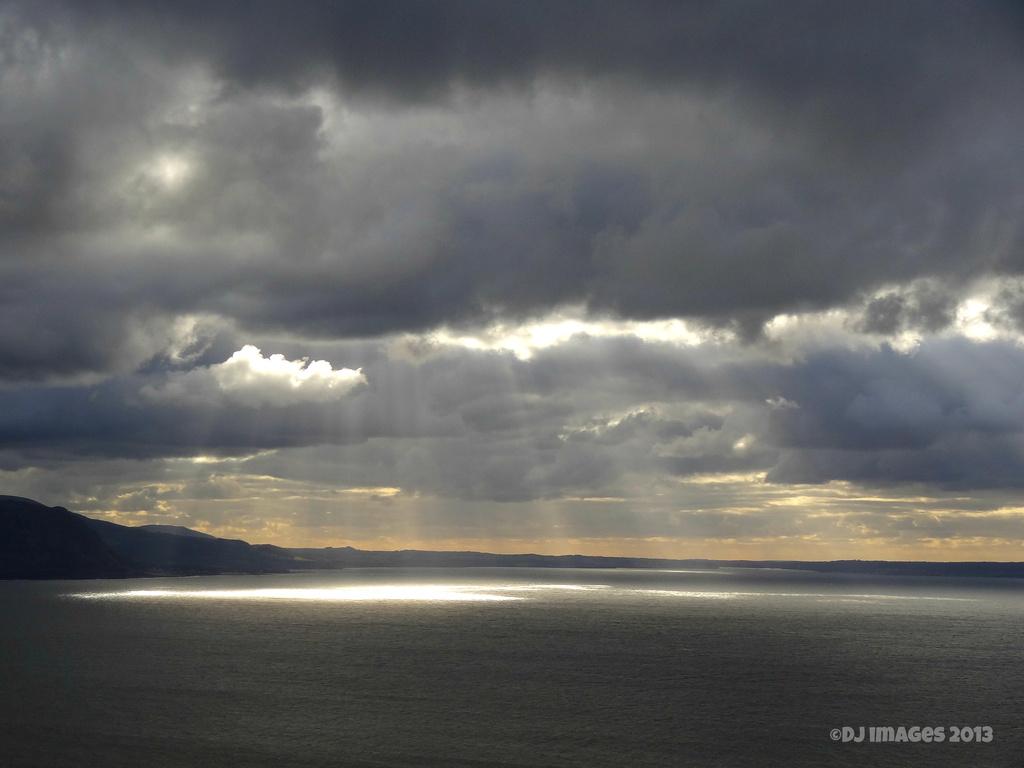 Across the bay. by darrenboyj