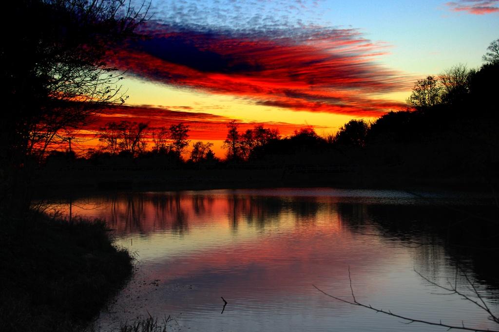 The Sun Sets by digitalrn