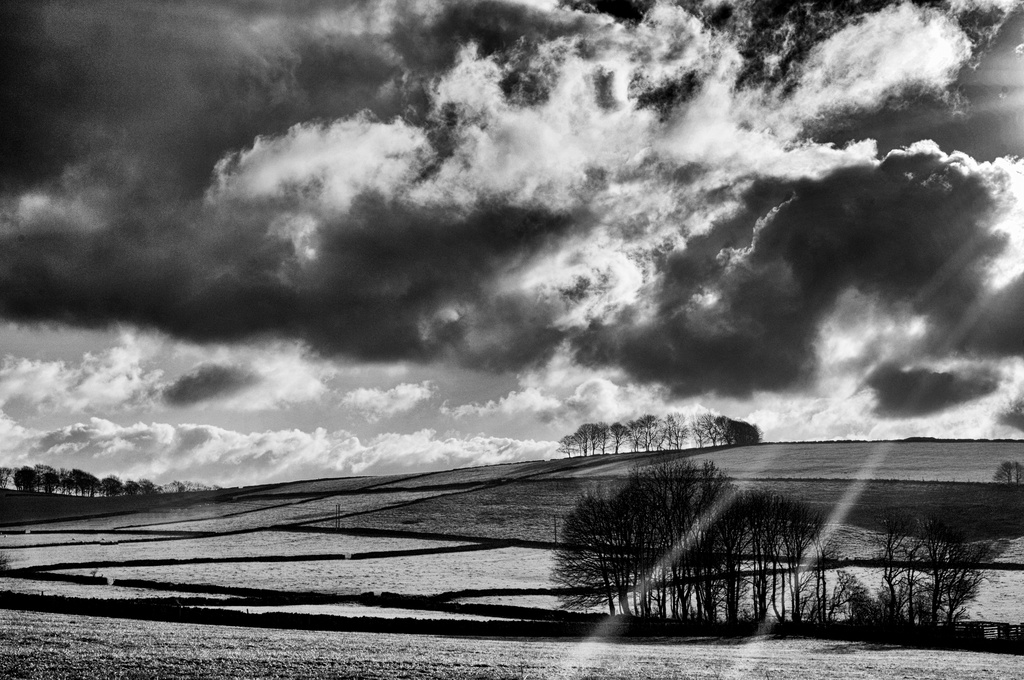 Peak District crepuscular rays by seanoneill
