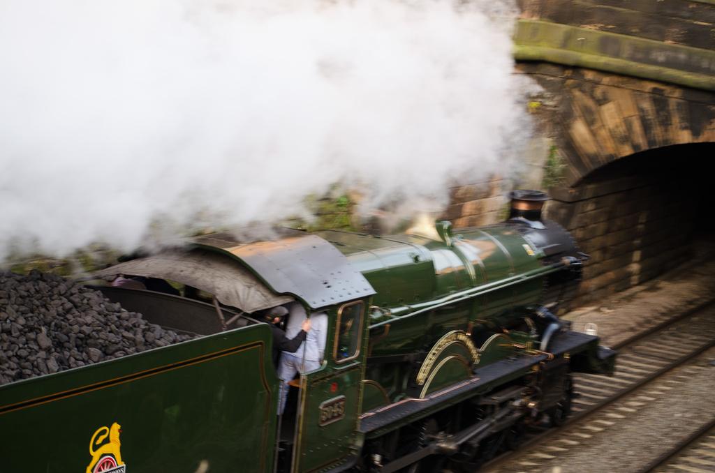 Steam train by tonygig