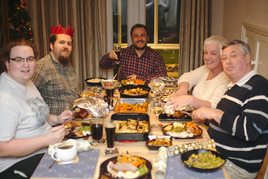 Christmas Dinner by darkhorse