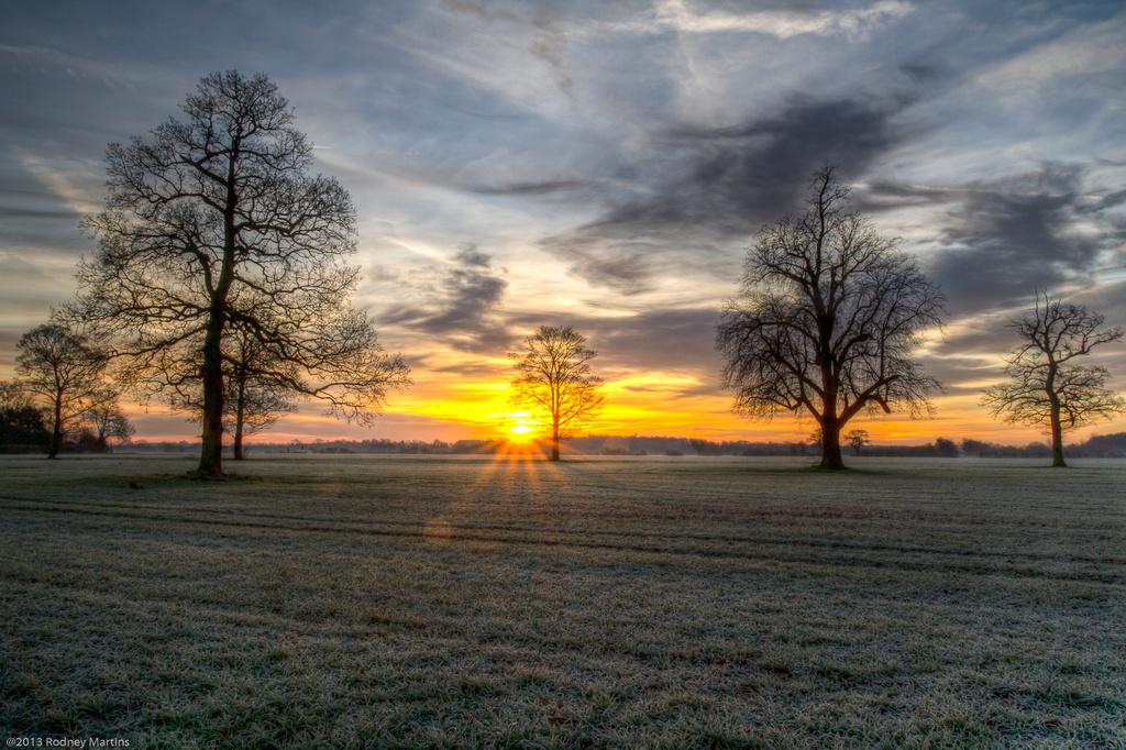 Sunrise at Hethersett, Norfolk by rodm