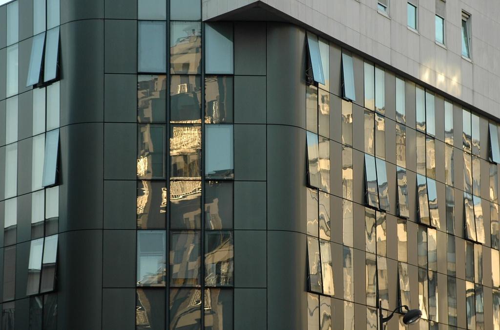 Lines & reflections by parisouailleurs