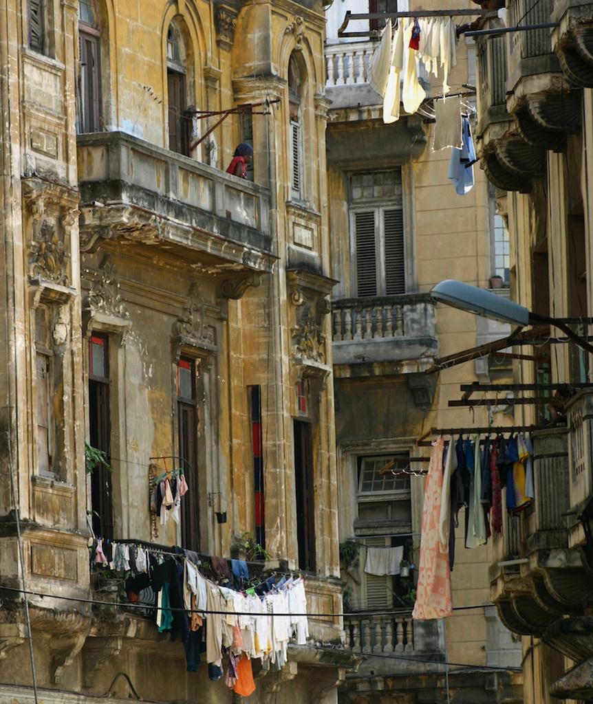 Washday in Havana by jocasta