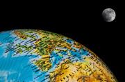 16th Feb 2014 - 60/365: Earth and Moon / La Tierra y la Luna