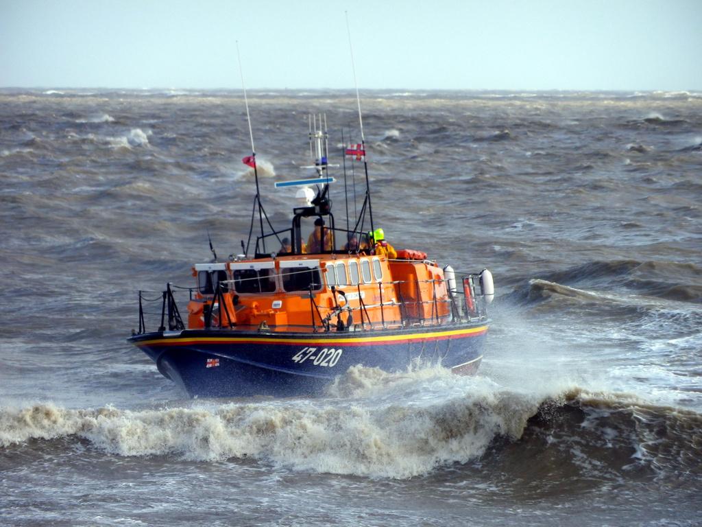 Lowestoft Lifeboat 1 by itsonlyart