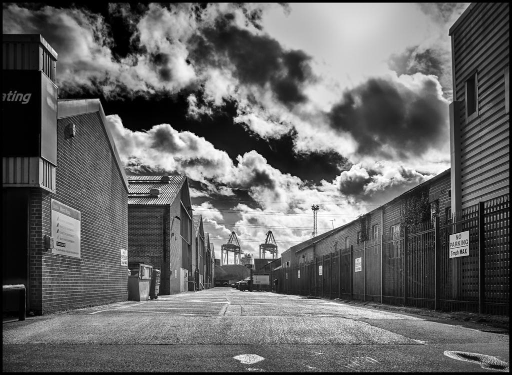Towards the Docks by humphreyhippo