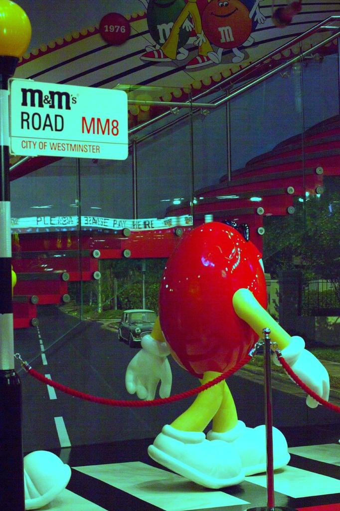 M&M just strolling along... by bizziebeeme