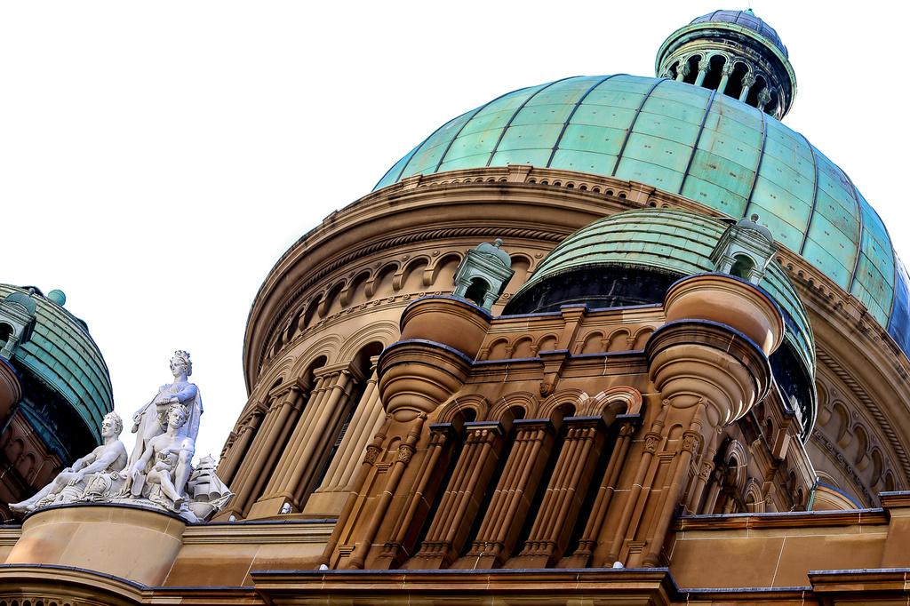 Queen Victoria Building by abhijit