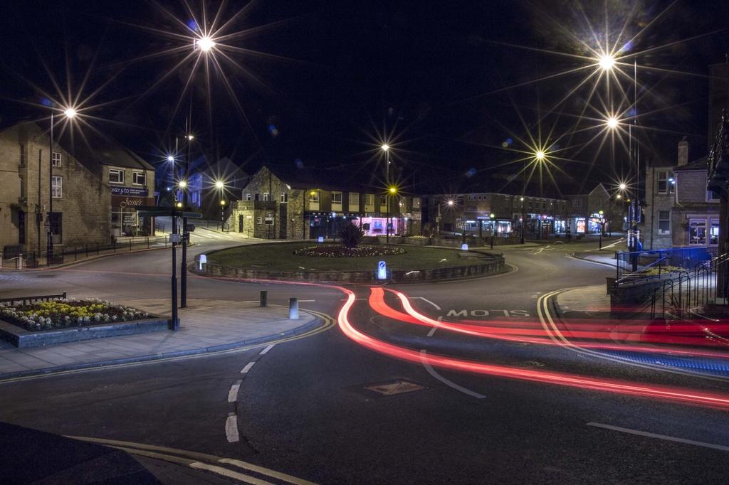 Baildon Roundabout at night..... by shepherdmanswife