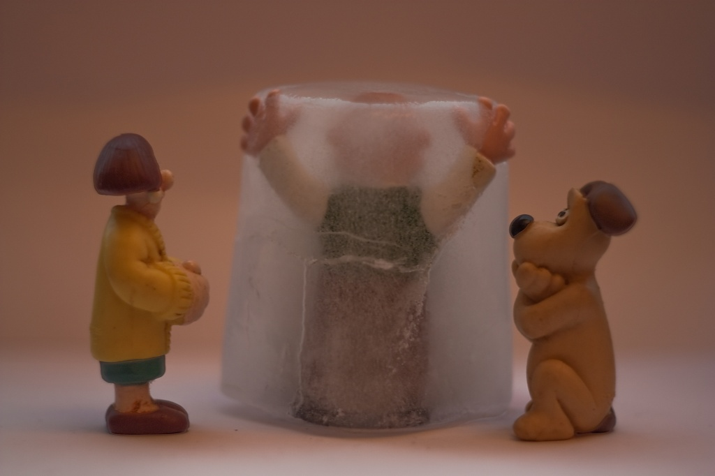 You know that bit in 'Toy Story' where the toys come to life when you leave the room? (3) by edpartridge