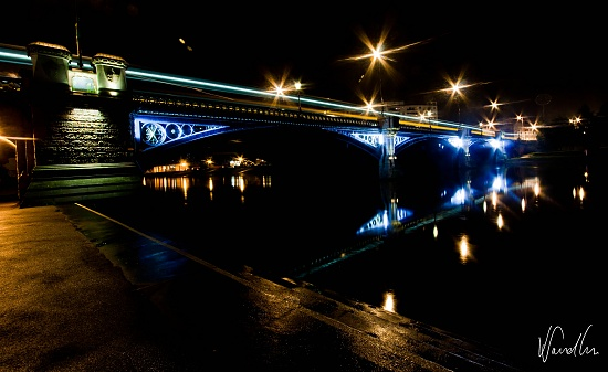 Trent Bridge at midnight by vikdaddy