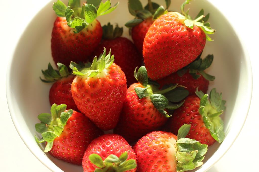 2014 04 21 Strawberries by kwiksilver