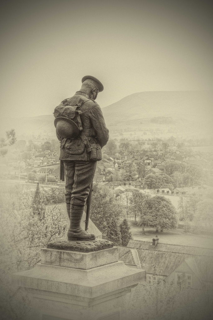 Clitheroe War Memorial. by gamelee