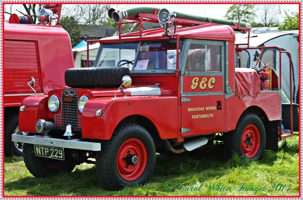 Fire Engine by carolmw