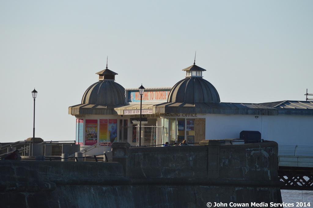Cromer Pier by motorsports