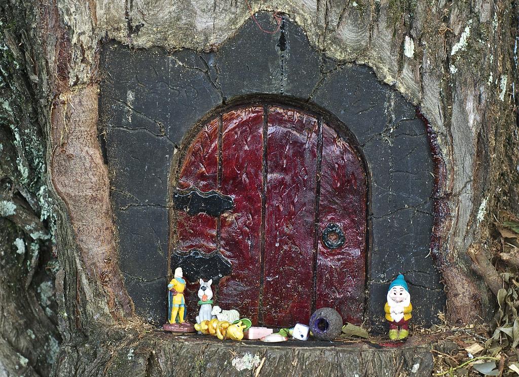 Tree house by brigette