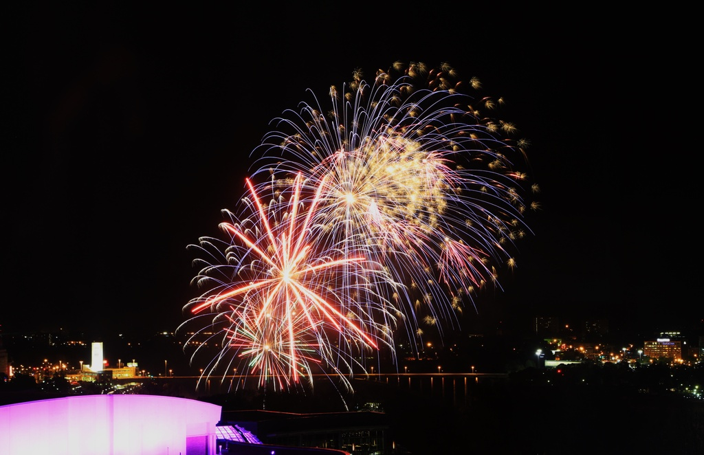 2014 05 26 - Fireworks over Niagara Falls by pixiemac