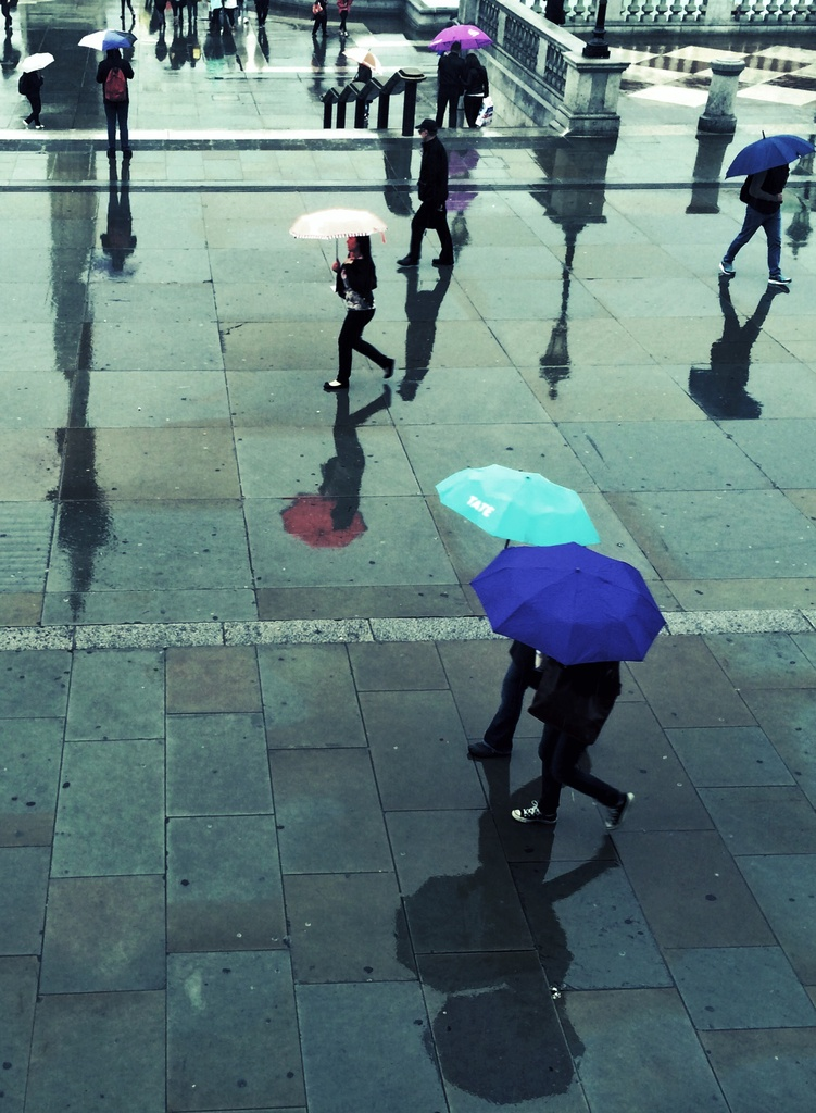 Umbrella O'Clock by rich57