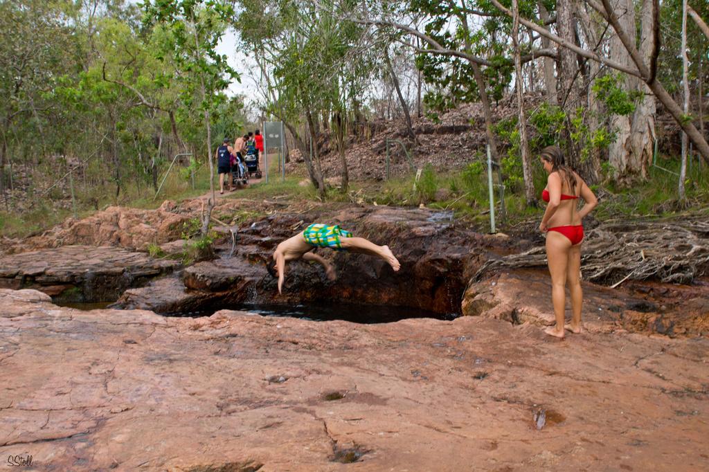 Diving at Buley Rock Pools by bella_ss