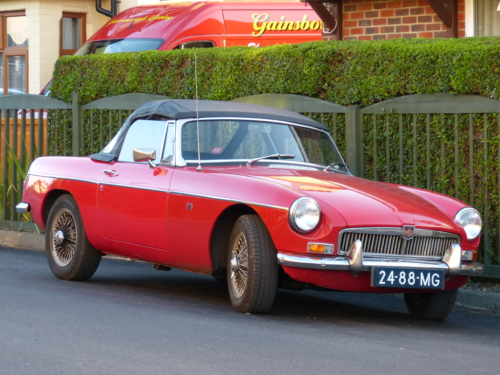 MGB Roadster by snoopybooboo