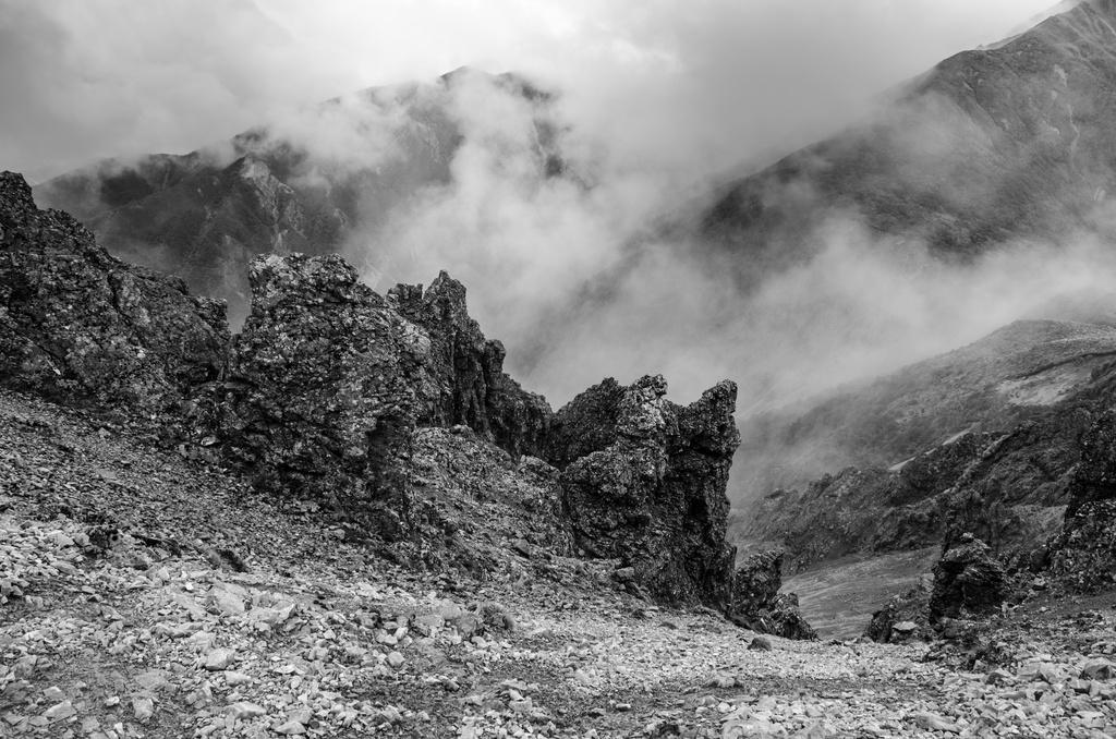 The Mysterious Mountain by yaorenliu