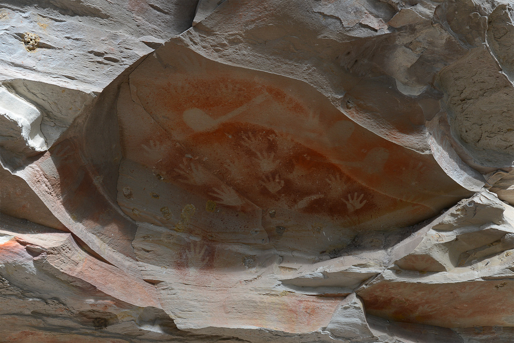 Aboriginal art at Balloon Gorge by jeneurell