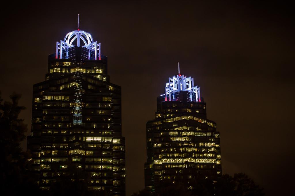 Queen and King buildings--Perimeter area Atlanta by darylo