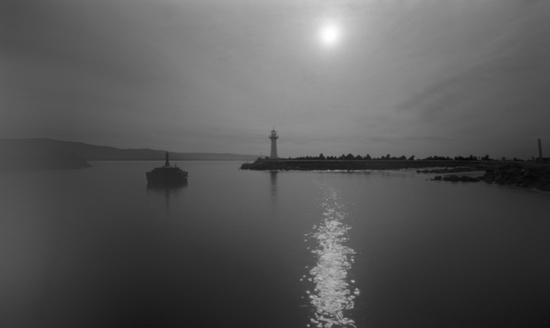 Harbour entrance by peterdegraaff