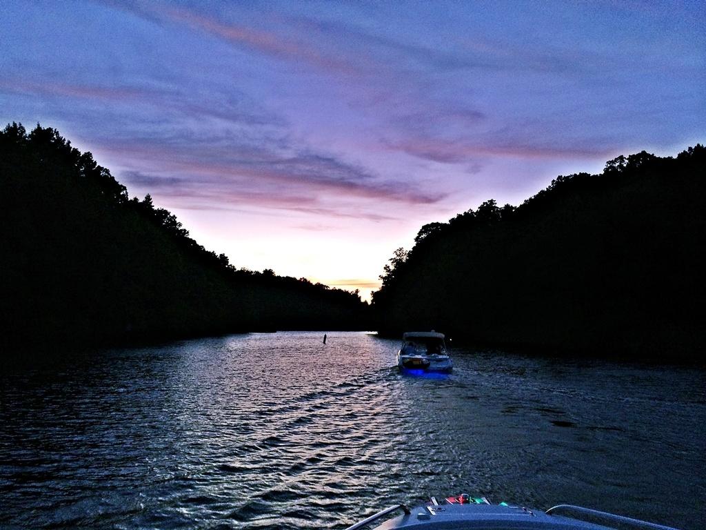 Lake Lanier Sunset by soboy5
