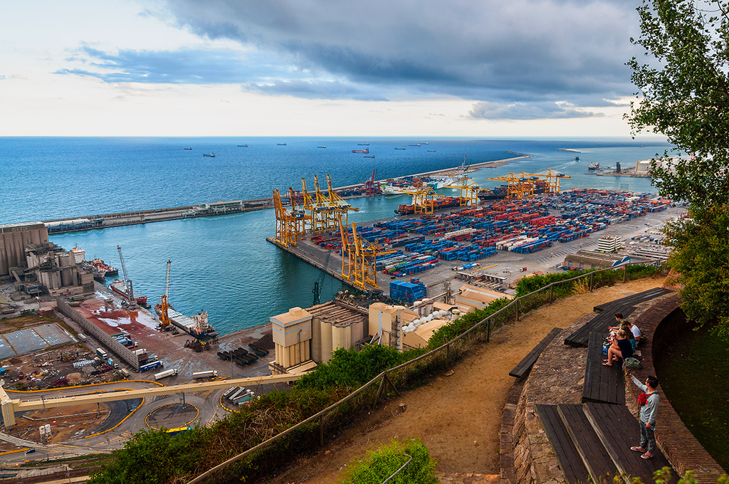 Puerto de mercancías / Goods Harbor by jborrases