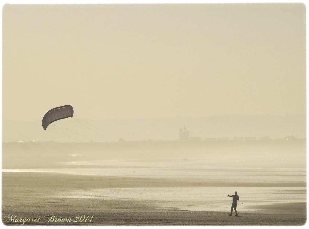 Lone kite by craftymeg