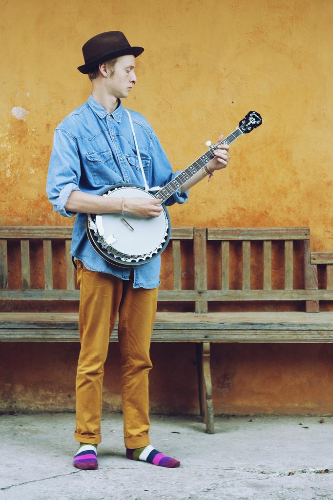Banjo time! by lily