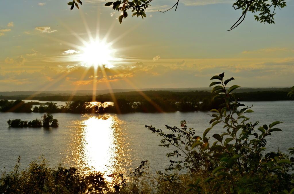 Sundown on the Mississippi River by cailts