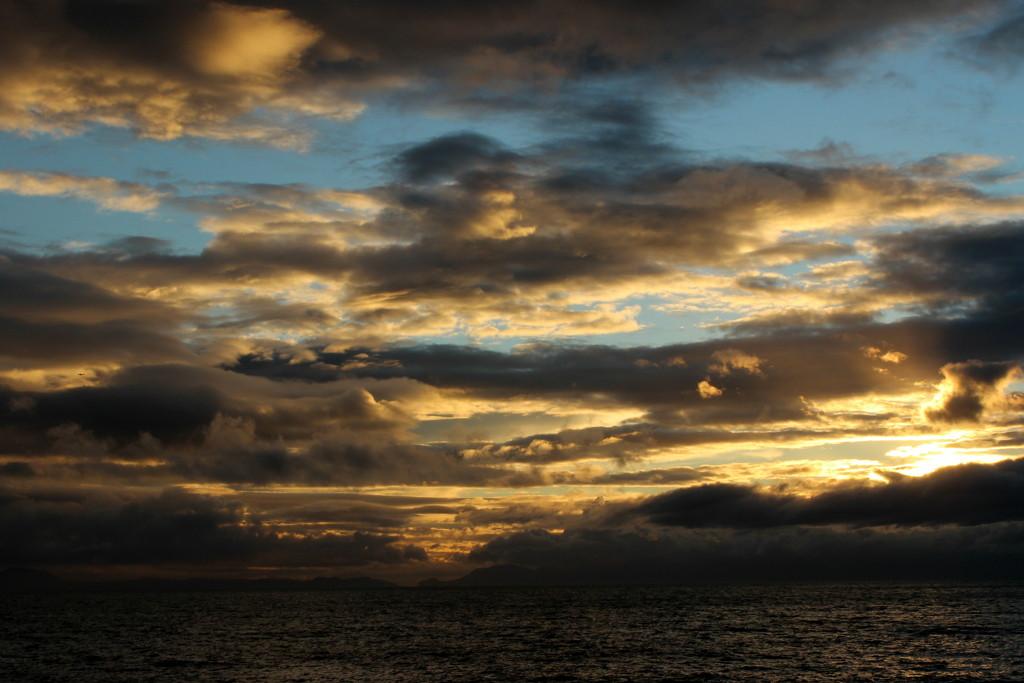 2014 08 04 Sky & Clouds 3 by kwiksilver