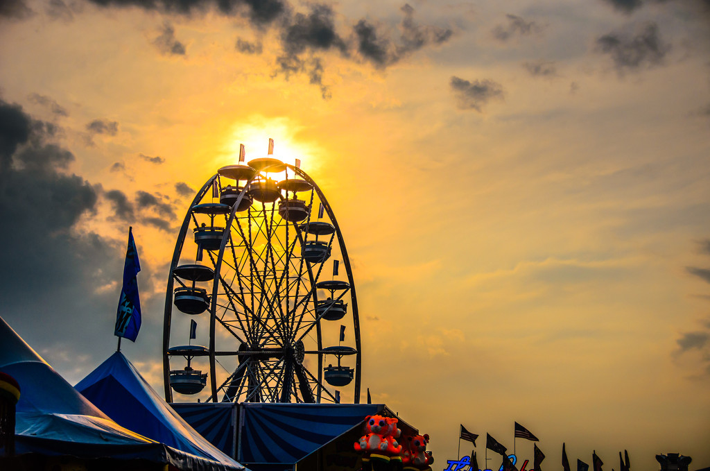 Golden Hour Wheel by lesip