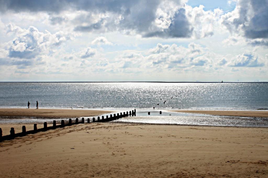 Frinton Beach  by kimcrisp