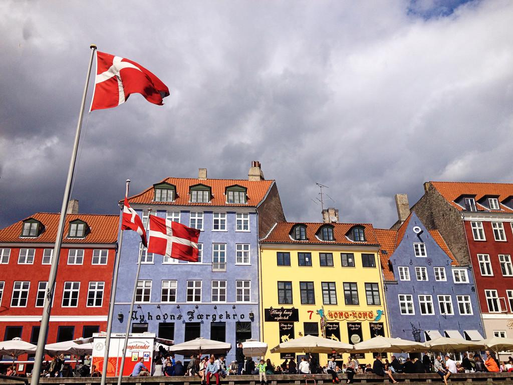 Nyhavn - Copenhagen by lily
