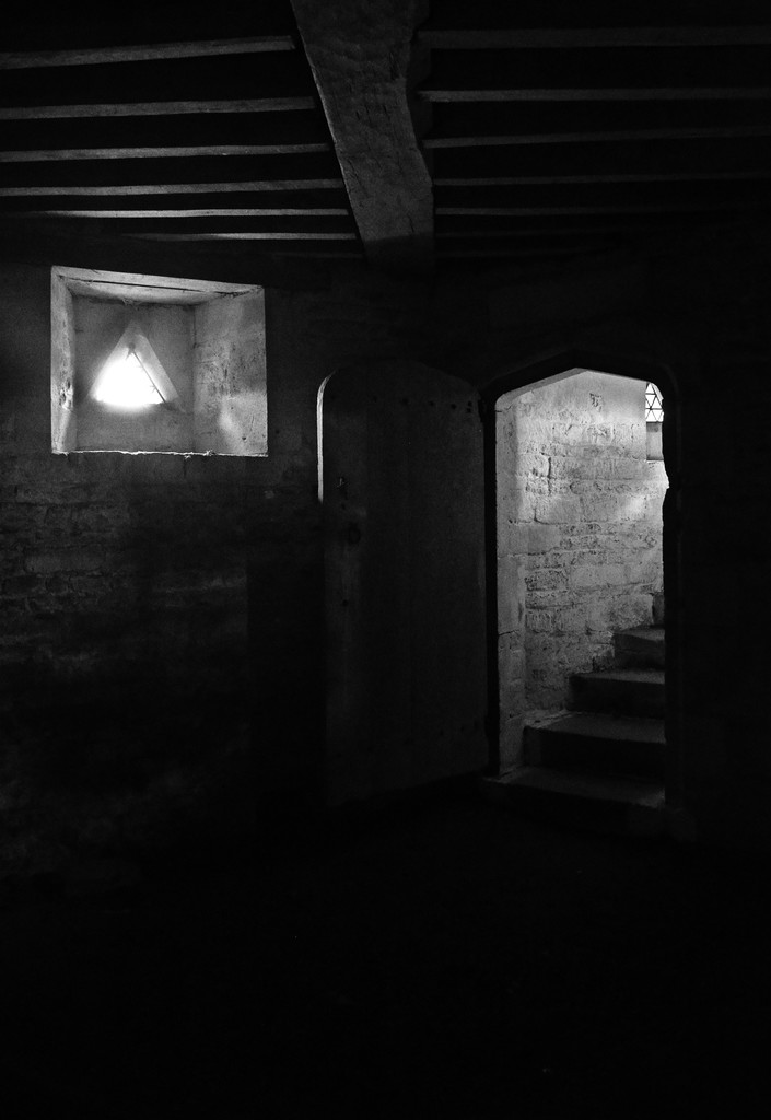 Rushton Triangular Lodge - down in the cellar by pistonbroke